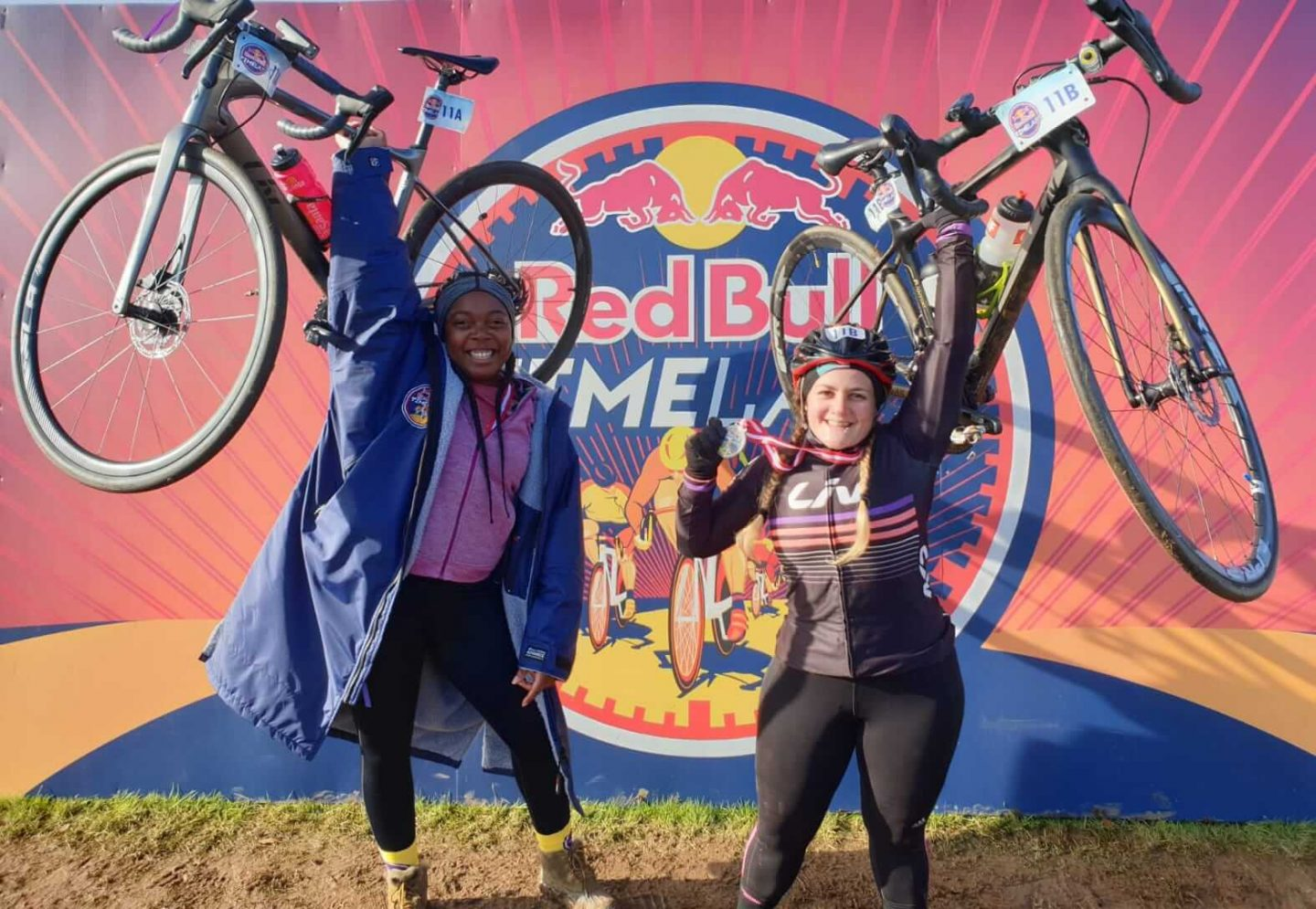 Redbull Timelaps teammates Tess Agnew and Elle Linton