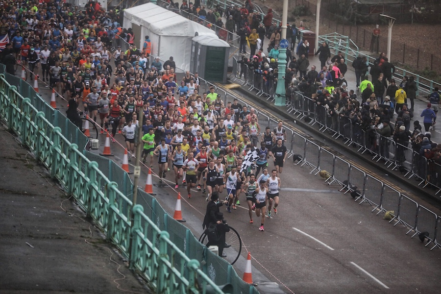 2020 Brighton Half Marathon runners starting